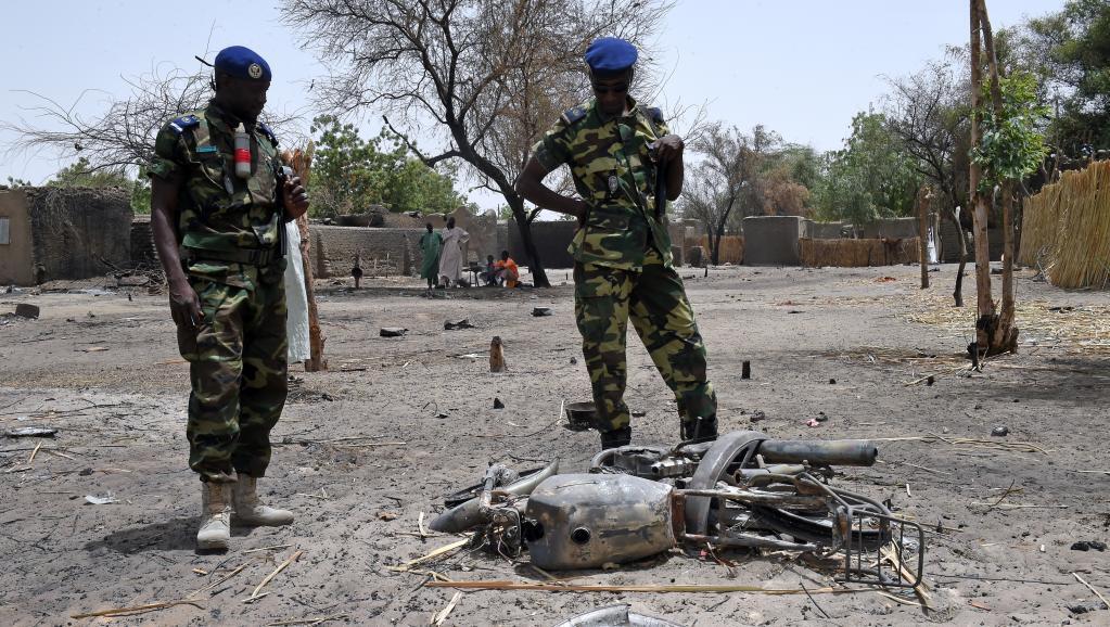 Maeneo yaliyo pembezoni mwa ziwa Chad yameendelea kulengwa na mashambulizi ya Boko Haram, kama kijiji hiki cha Ngouboua, mwezi Aprili mwaka 2015.