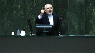محمدجواد ظریف، وزیر امور خارجه جمهوری اسلامی، در جلسه علنی مجلس شورای اسلامی. یکشنبه ٣ نوامبر ٢٠۱٩/ ۱۲ آبان ۱۳۹۸