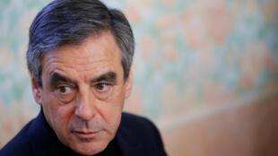 Pour sa première visite hors d'Europe depuis sa victoire à la primaire, François Fillon a choisi le Mali et le Niger.