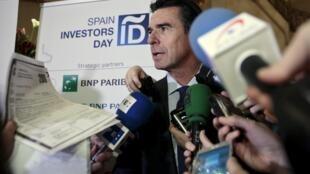 El ministro español de industria José Manuel Soria forzado a la dimisión por las revelaciones de los Panamá papers