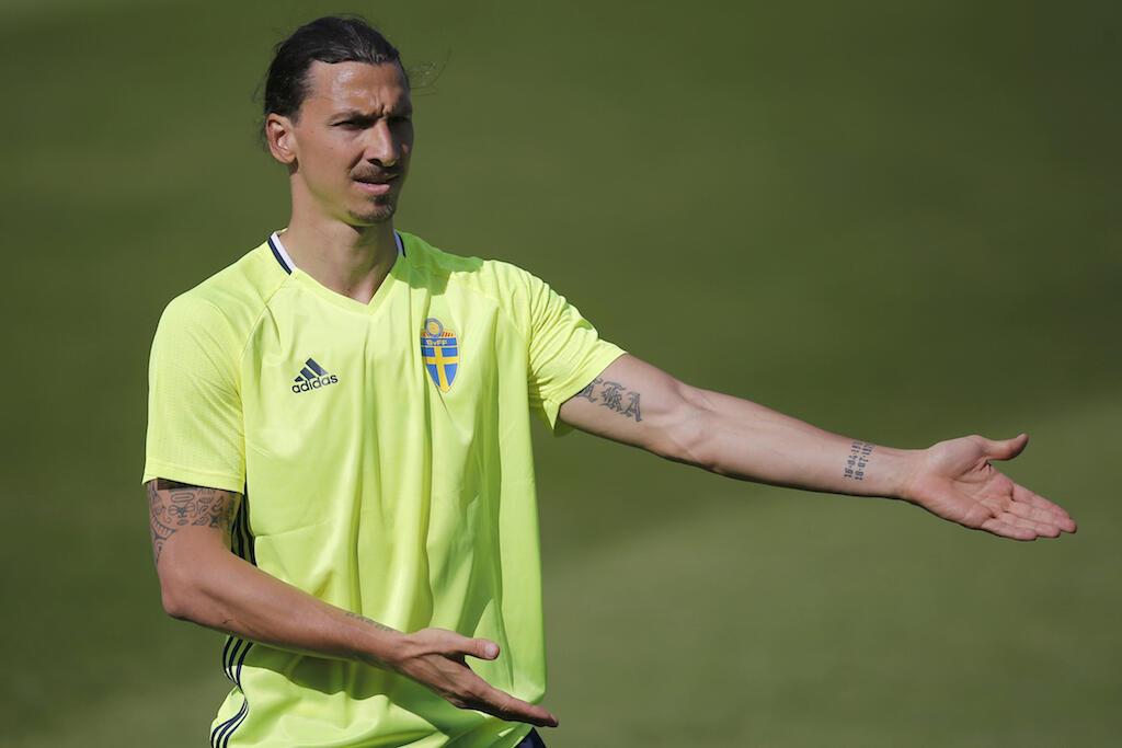 Zlatan Ibrahimovic akiwa kwenye mazoezi na timu yake nchini Ufaransa