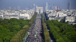 Les coureurs de la 41e édition du marathon de Paris en 2017 (image d'illustration).