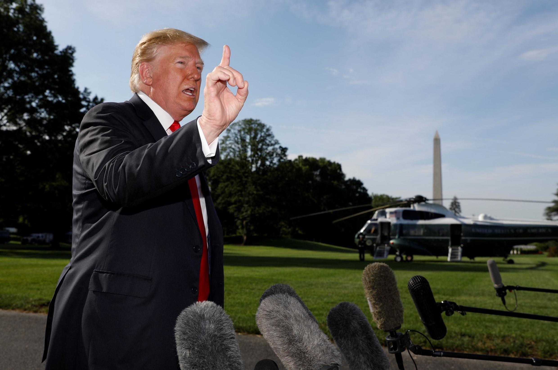 O presidente dos EUA, Donald Trump, fala na saída da Casa Branca em Washington, EUA, em 30 de maio de 2019.