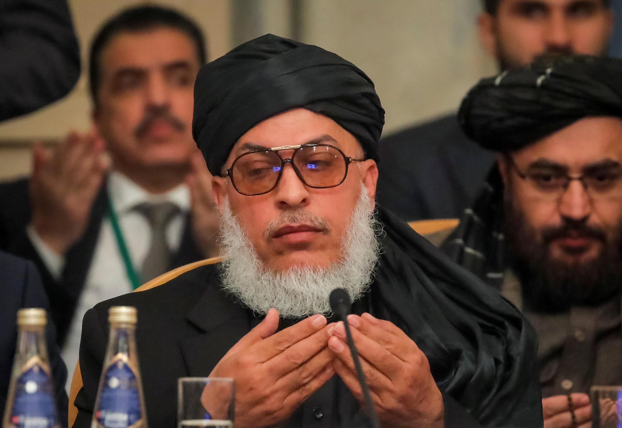 """""""عباس استانکزی"""" رهبر هیأت طالبان در مذاکرات مسکو، از جمله ۱۴ عضوی است که در لیست هیئت گفتگوکننده طالبان برای پیشبرد گفتگوهای صلح معرفی شده است."""