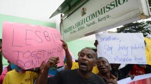 Une manifestation de soutien à la communauté LGBT nigériane, en 2014, devant la Haute-commission nigériane à Nairobi, au Kenya.