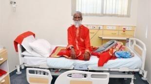 L'ascète Prahlad Jani dans sa chambre d'hôpital à  Ahmedabad, le 26 avril 2010.