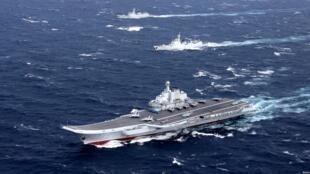 辽宁号航母在南海