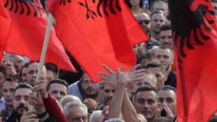 La manifestation contre le président Thaçi est un des plus gros rassemblements de ces dernières années au Kosovo.