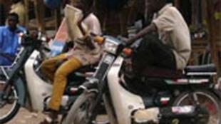 Les moto-taxis  d'Agadès au Niger