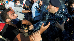 جنبش اعتراضی مردم در لبنان که روز ١٧ اکتبر ۲۰۱۹ علیه همه احزاب و سیاستمردان این کشور آغاز شد، همچنان ادامه دارد. سهشنبه ۹ اردیبهشت/ ۲۸ آوریل ۲۰۲۰