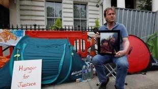 Richard Ratcliffe, the husband of jailed British-Iranian aid worker Nazanin Zaghari-Ratcliffe, outside of the Iranian Embassy in London, Britain, June 19, 2019.