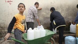 As crianças também vítimas da violência no Iêmen.