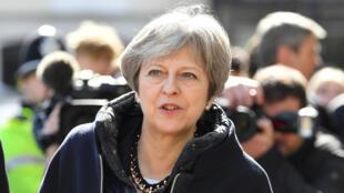 La Première ministre britannique Theresa May en visite à Salisbury où a eu lieu la tentative d'empoisonnement de l'espion russe Sergei Skripal, le 15 mars 2018.