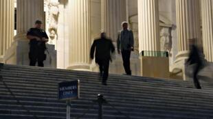 O Congresso americano abriu excepcionalmente no sábado, 28 de setembro de 2013.