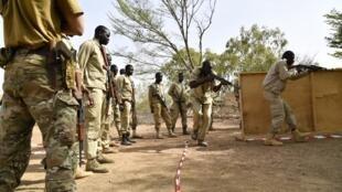 Des militaires burkinabè lors d'un entrainement en avril 2018 (image d'illustration).