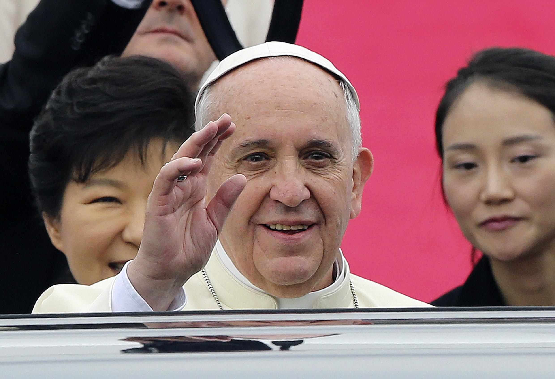 El papa Francisco a su llegada a Seúl el 14 de agosto de 2014.