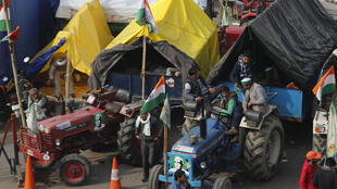 inde-agriculteurs-tracteurs-manifestation