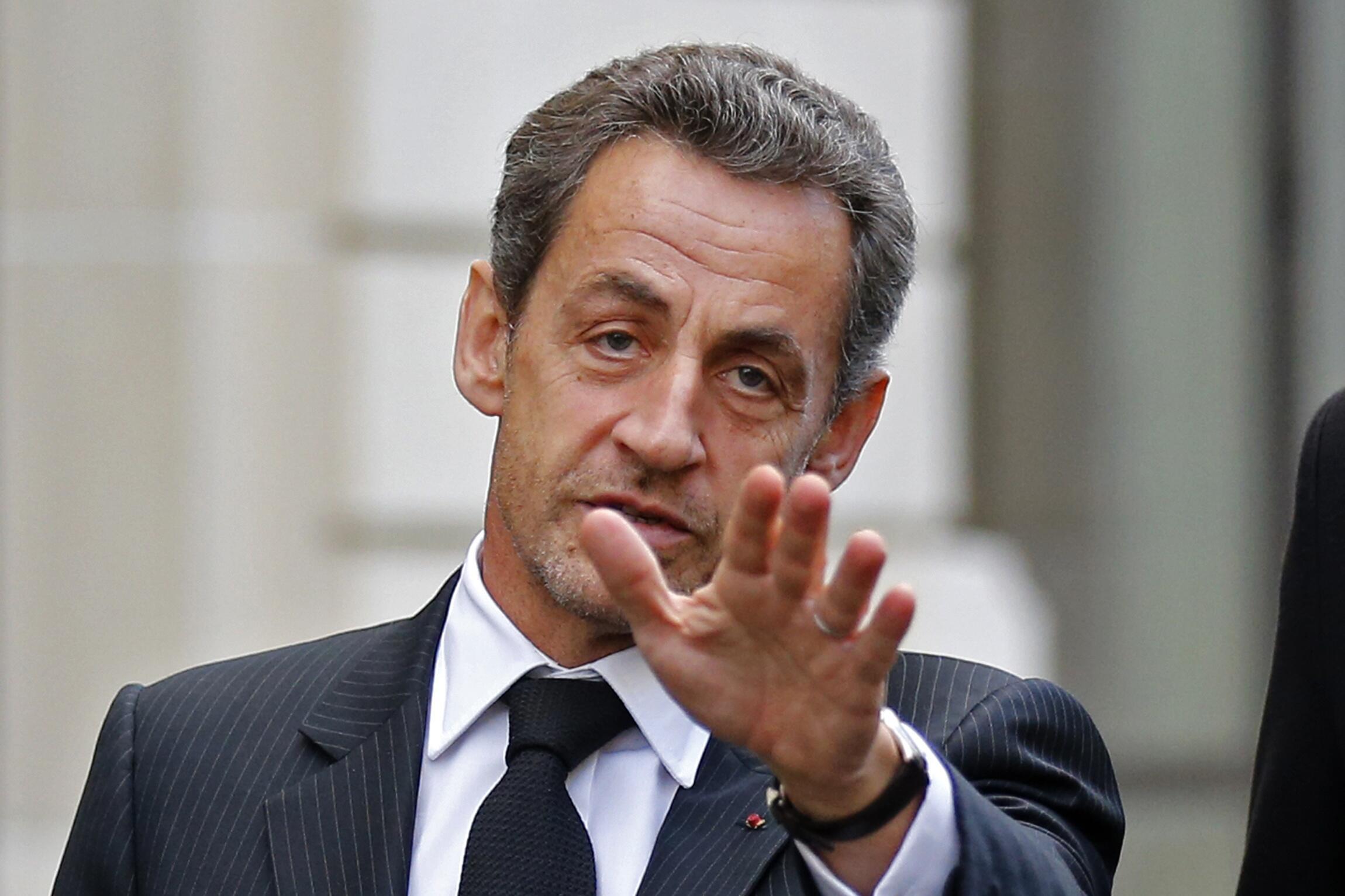 Ex-presidente Nicolas Sarkozy foi indiciado na quinta-feira à noite por abuso de pessoa vulnerável, no caso da proprietária da L'Oréal, Liliane Bettencourt.