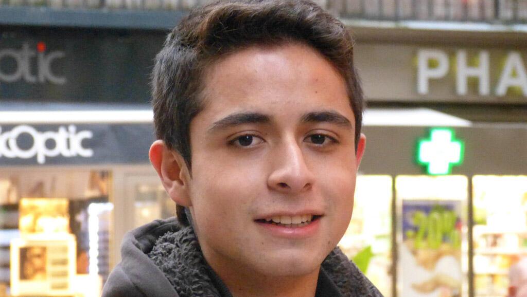 哥倫比亞少年凱文。