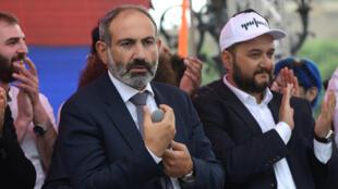 Никол Пашинян на митинге в Ереване