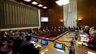 Se mantiene el suspense sobre la participación o no de la oposición siria del grupo de Riad en las negociaciones en Ginebra.