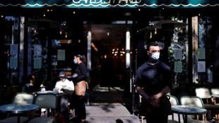 café des Phares Paris 2 Juin