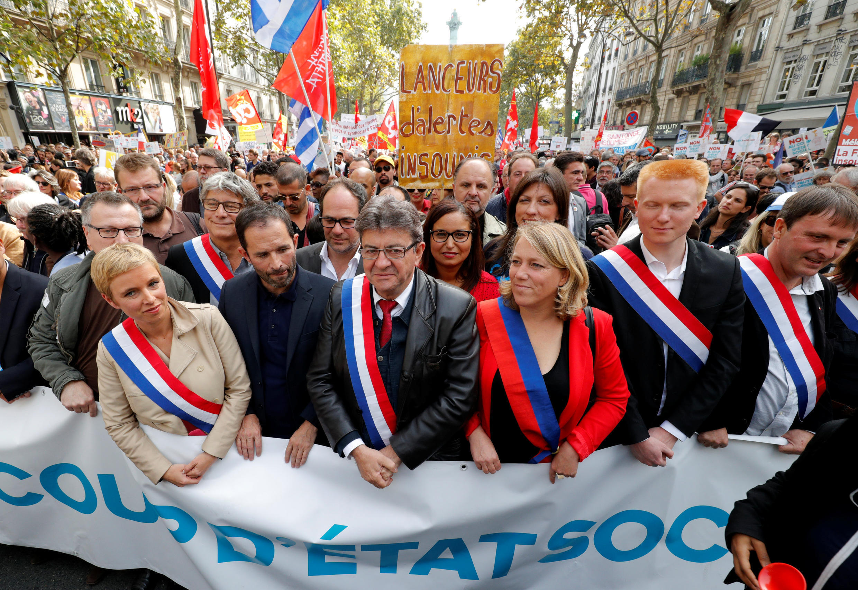"""ژان لوک ملانشون، رهبر حزب چپ رادیکال """"فرانسه نافرمان"""" در راهپیمایی ضددولتی روز شنبه در پاریس"""