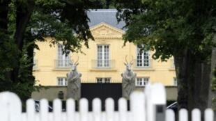 Imagen de la residencia La Lanterne, en Versalles, Francia, en julio de 2007