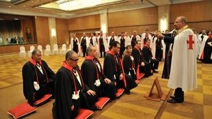 Церемония посвящения в рыцарство первых армянских кадетов. Афины, 2010 г!