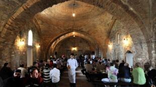 Российским туристам уже-де-факто запретили вылеты к «источникам» грузинского вина. Теперь могут запретить еще и экспорт грузинского вина в Россию
