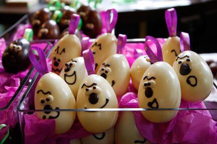 Những quả trứng Phục Sinh bằng sôcôla của nhà sản xuất Bỉ Dominique Personne.