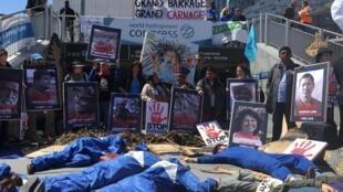 Manifestación contra las represas