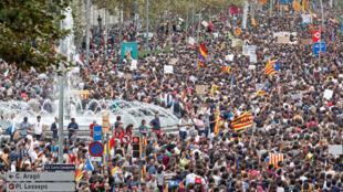 Importante manifestation à Barcelone, le 3 octobre 2017.
