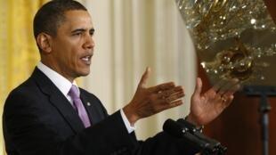 Barack Obama a dénoncé jeudi «l'irruption brutale» de l'argent des groupes de pression dans les campagnes électorales, permise par la décision de la Cour suprême.