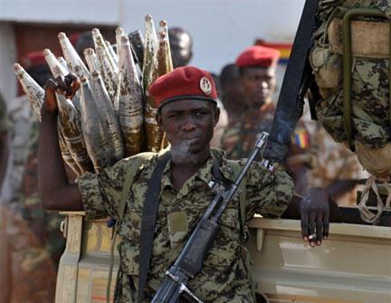 Un soldat de l'armée régulière tchadienne à Ndjamena.