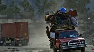 پناهندگان افغان در بازگشت به کشورشان از پاکستان