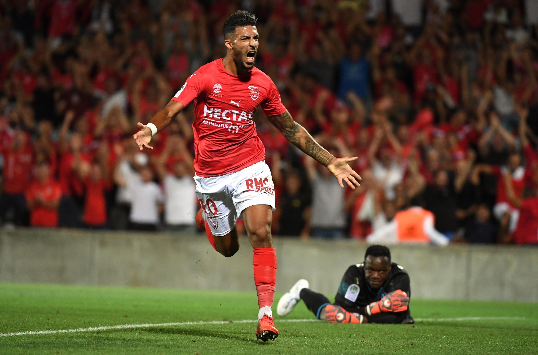 Denis Bouanga, l'attaquant de Nîmes, après avoir marqué contre Marseille en Ligue 1.