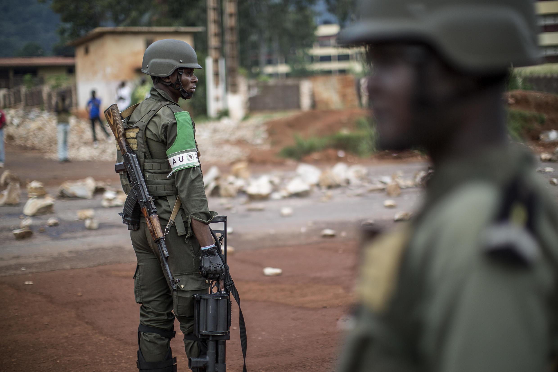 Un soldat congolais de la Misca à Bangui, le 30 mai 2014.