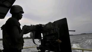 Les syndicats demandent notamment le retrait des militaires qui assurent la sécurité de sites pétroliers dans le delta du Niger.