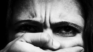 Estupro coletivo fortalece debate sobre violência contra a mulher.