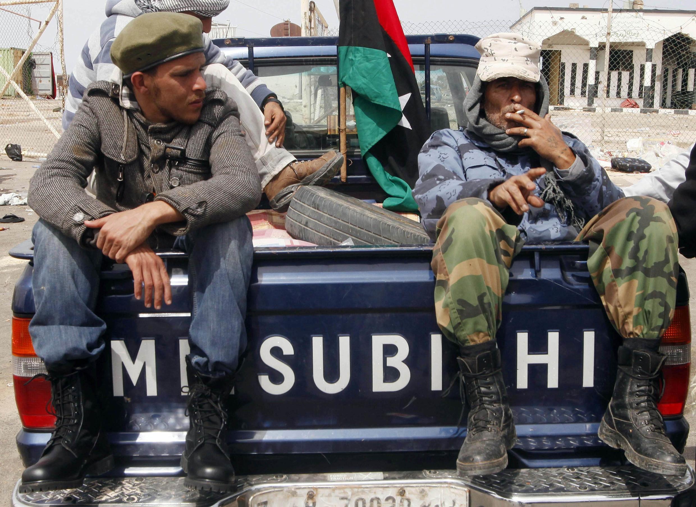 Ливийские повстанцы в Бреге 27 марта 2011 года