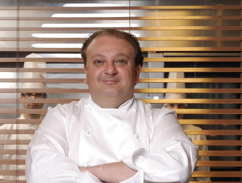 O chef francês Erick Jacquin é um dos jurados do programa MasterChef, transmitido no Brasil pela Band.