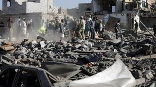 Khu lân cận Sanaa bị oanh kích. Ảnh ngày 26/03/2015.