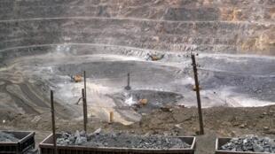 中国包头的一个稀有金属矿