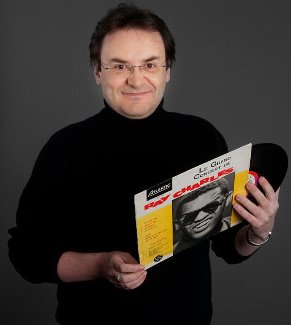 Joe Farmer, la voix de RFI, présentateur de l'émission «L'épopée des musiques noires».