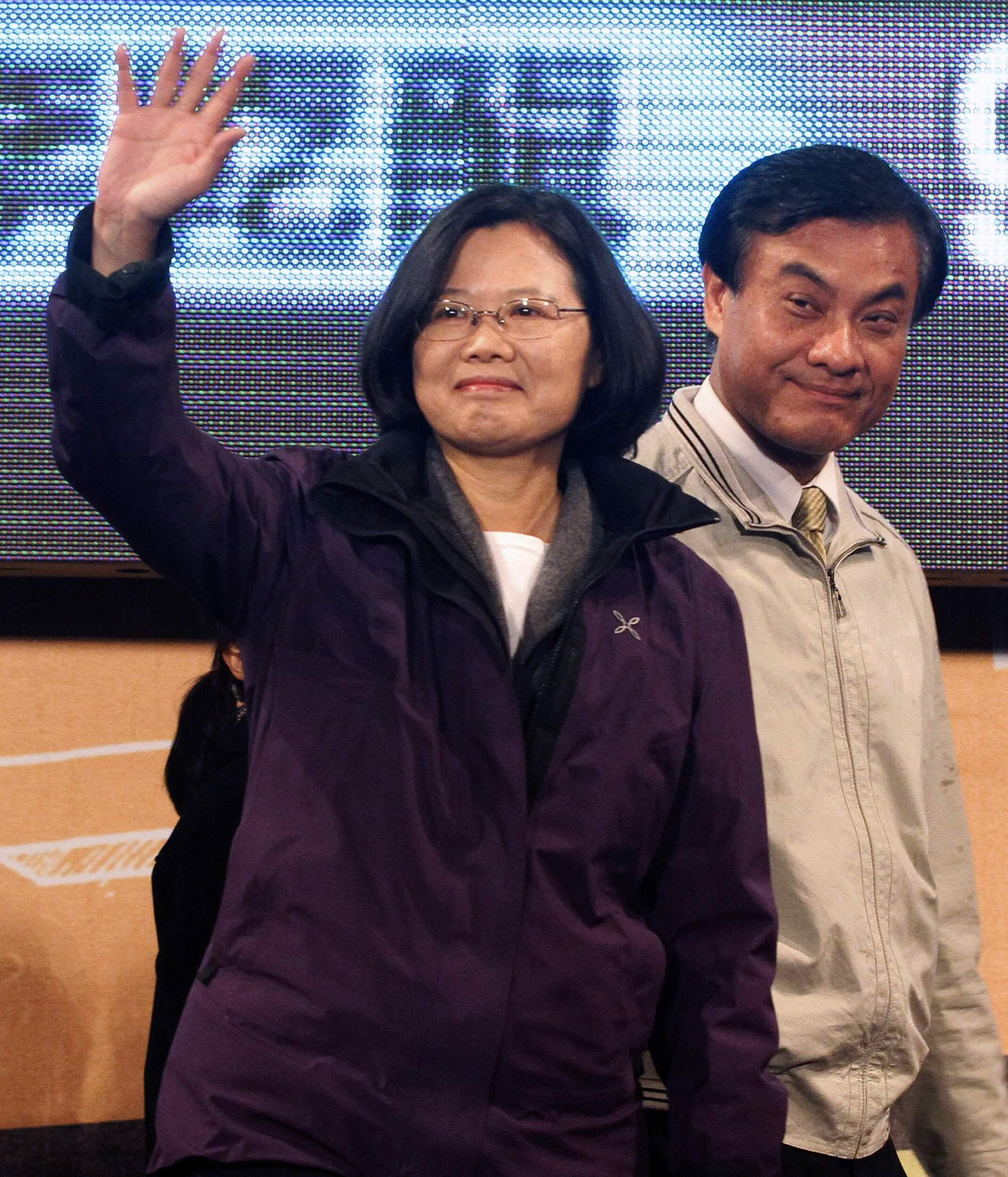 Bà Thái Anh Văn (trái) ứng viên đảng Dân Tiến Đài Loan, ngày 14/01/2012