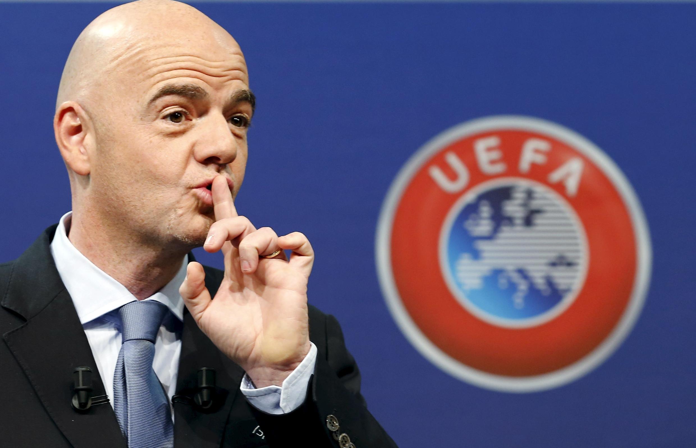 Gianni Infantino, secretário-geral da Uefa, entra na disputa pela presidência da Fifa.