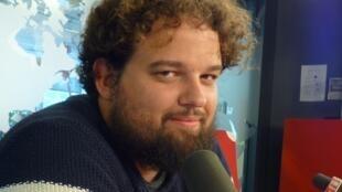 Pablo Fidalgo Lareo en los estudios de RFI