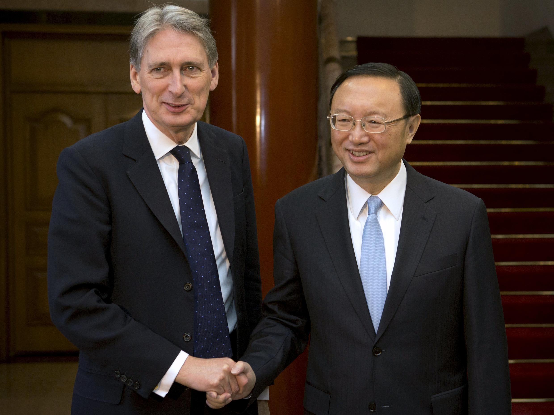 中国国务委员杨洁篪会见英国外交大臣哈蒙德,2016年1月6日,北京。