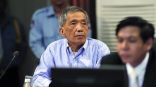 «Douch», le chef du régime khmer rouge, au tribunal spécial de la banlieue de Phnom Penh, le 26 juillet 2010.